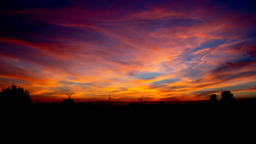 Bedrijventerein Lopik bij zonsondergang